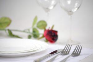 elegant-tableware-1431790_1280